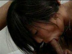 Devotes Asia Girl will nur noch ficken